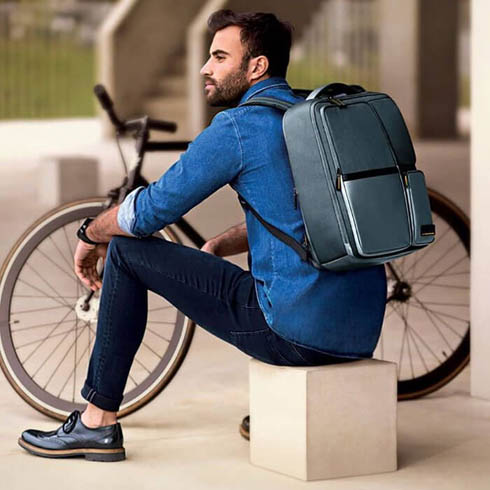 A perfect blend of a casual lifestyle and a functional business backpack.