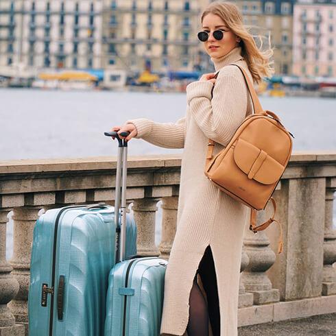 Influencer  clea cartier steals the scene in Geneva with our Ice Blue  Cosmolite suitcase. Samsonite mysamsonite cf739fb05512d